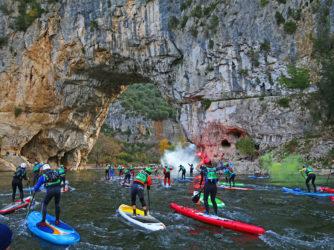 Départ de l'Ard river paddle sous le Pont d'Arc