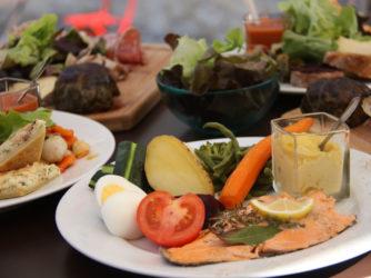 Les restaurateurs proposent des assiettes fraîches et bien garnies